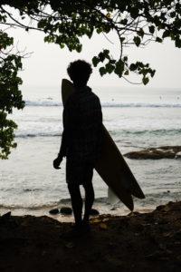 surfer-mirissa-sir-lanka